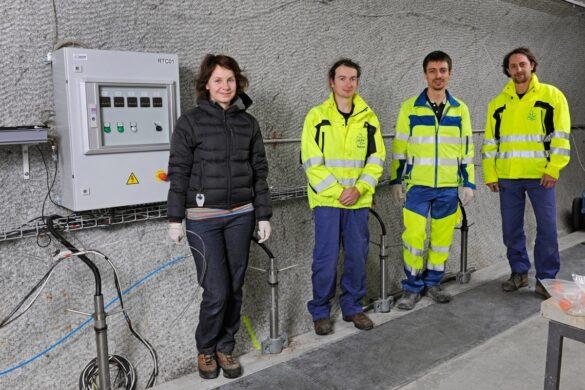 Von links nach rechts: Jana Steinová, Technical University of Liberec; David Dobrev, ÚJV Řež, a. s.; Niels Giroud; Milan Zuna, ÚJV Řež, a. s.